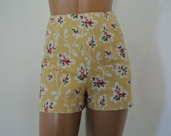 1990s Moschino Cheap and Chic High Waist Hot Pant Shorts made in Italy Size 8/M