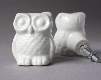 1 door knob owl, drawer pull, drawer knob animal, dresser pull, towel hook, handle for cabinets, grip for furniture, ivory cream