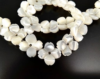 10pcs 10mm Natural White MOP Flower Beads White Mother of Pearl Carved Flower Beads