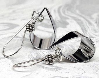 Brillant argent boucles d'oreilles, boucles d'oreilles élégantes minimaliste, argent de Bali,