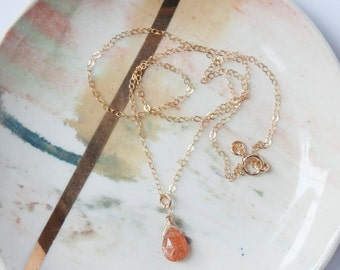 faodail necklace // sunstone gold filled chain necklace