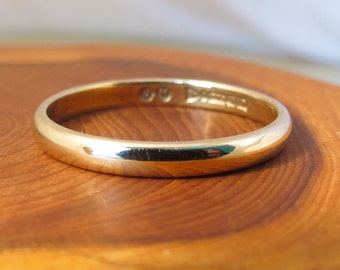 Wedding ring, vintage 9K yellow gold band made in 1949