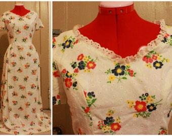 70s White Eyelet Maxi Dress Size S