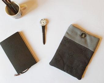 gray fabric Ipad cover, skull's Ipad sleeve, tablet padded case, halloween gift, halloween case,