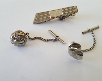 Vintage collection of three tie tacks and tie clip, silver tone, geometric, post modern designs,