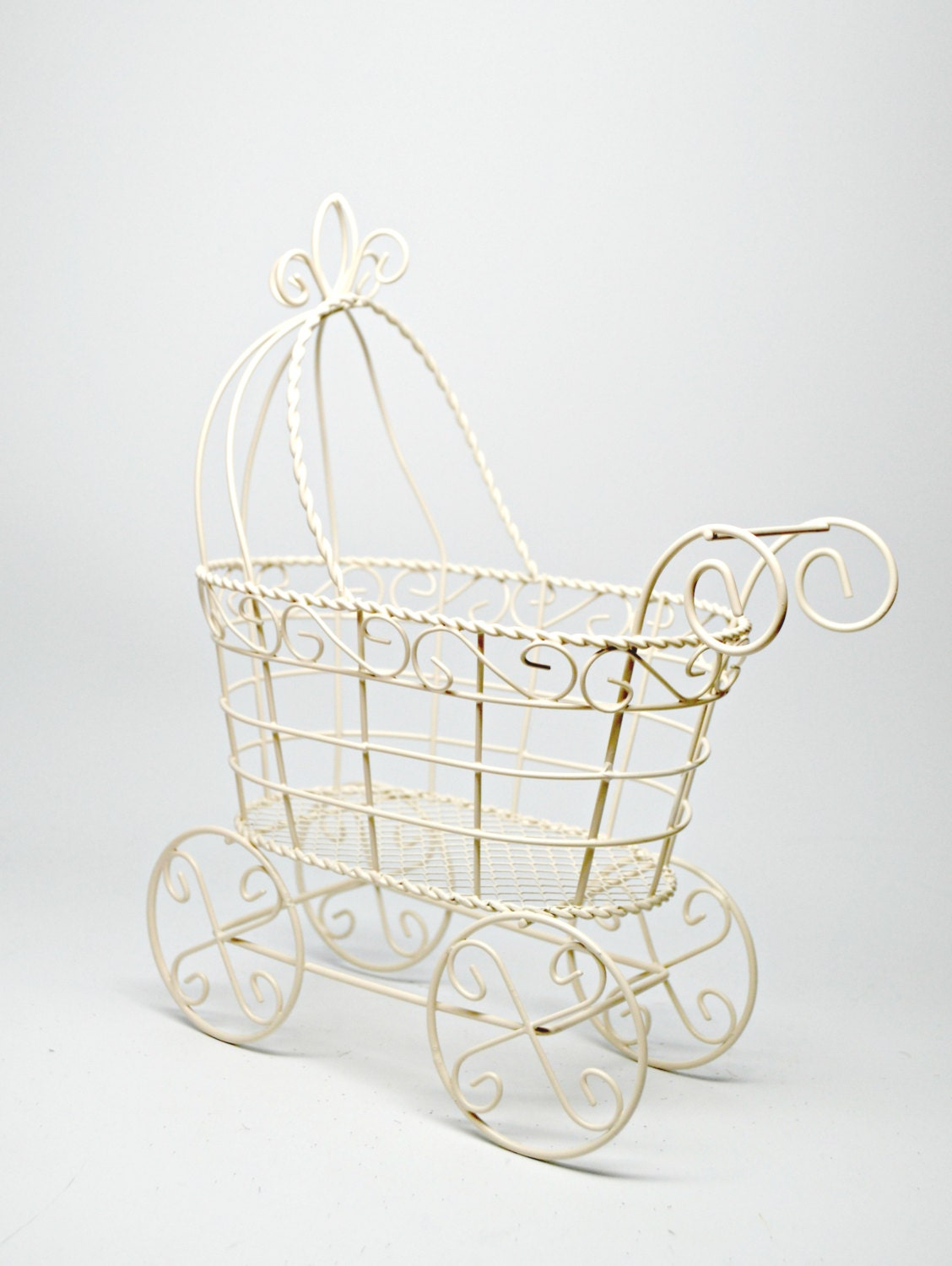 Wire baby carriage ivory baby shower centerpiece baby 39 s for Baby carriage decoration