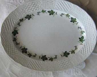 SIMPSONS POTTERS, ENGLAND, Marlborough, Concord pattern, serving platter, oval, green ivy on white, Mailed from Canada
