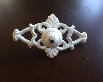 Ornate knobs drawer pulls, with back plate, white