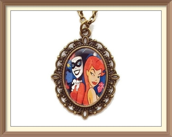Harley quinn poison ivy inspired cameo necklace batman for Harley quinn and joker jewelry