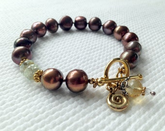 Brown Pearl Bracelete with Accent