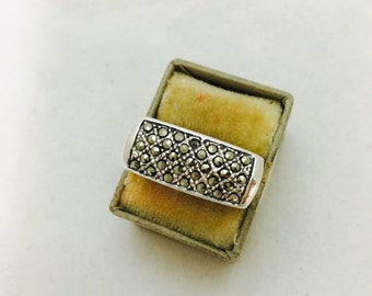 Vintage Sterling Silver and Marcasite Ring - Size 6