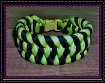 Funky Wide Boa Para cord Bracelet