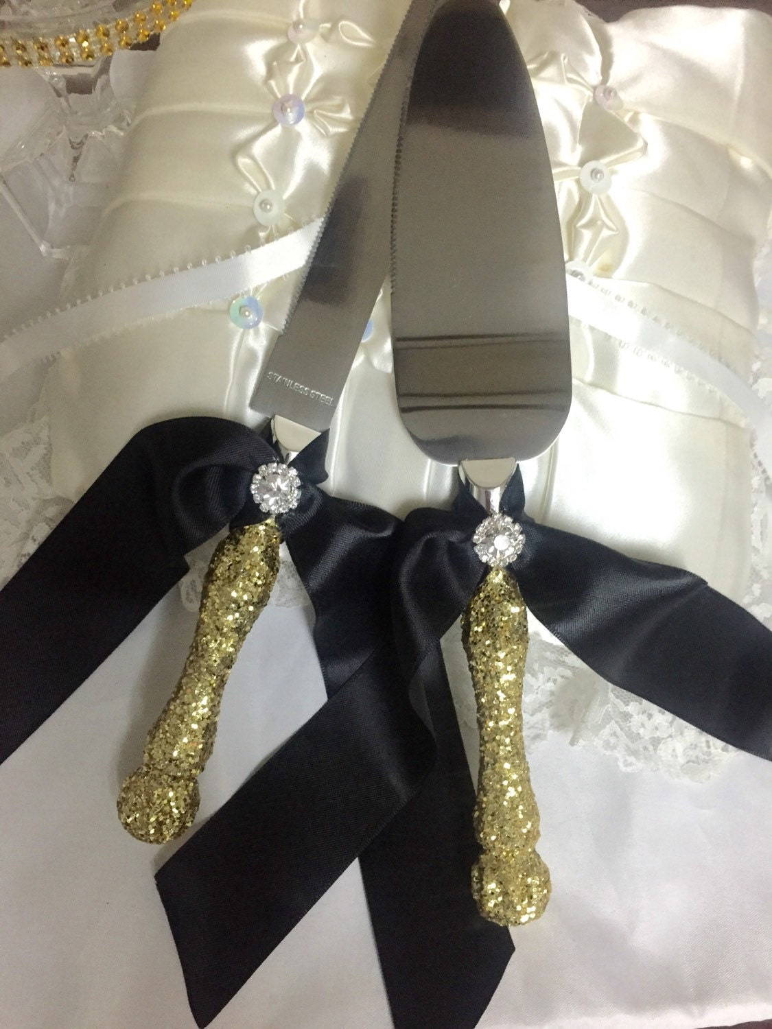 Gold and black wedding gold cake cutting set by