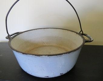 Cast Iron Enameled Dutch Oven Kettle - Light Periwinkle Blue - Vollrath Primitive Pot