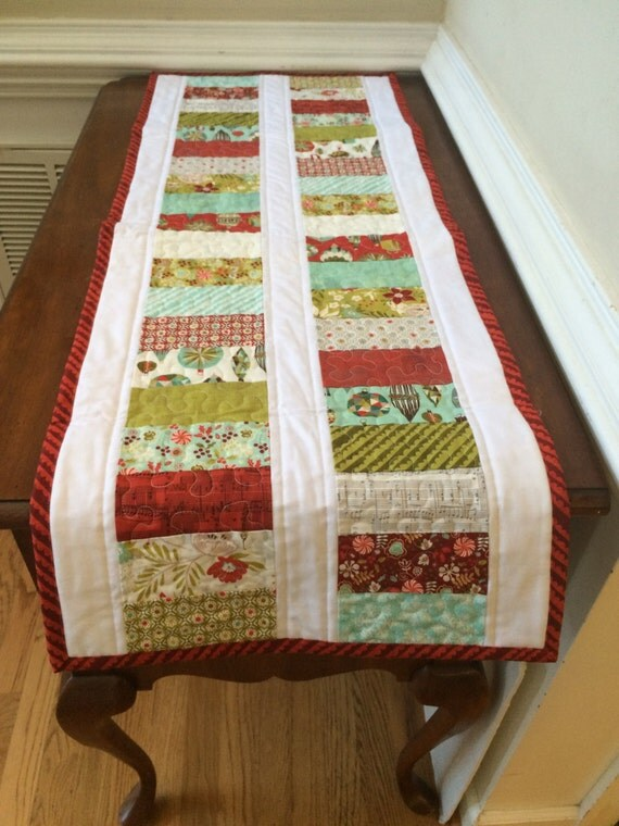Quilted Christmas table runner, reversible Christmas runner, Christmas table runner