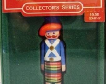 1985 Scottish Highlander Clothespin Soldier Hallmark Retired Series Ornament