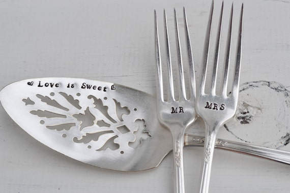 wedding cake plate and forks wedding cake server amp forks mr and mrs stamped forks 23498