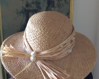 Beach hat straw hat with shells vintage cruise hat, sun hat.