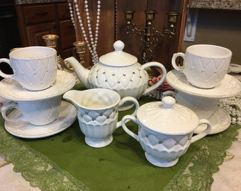 Diamonds and Pearls Teapot and Teacup Set
