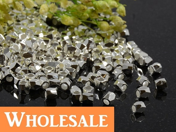 2.5mm Silver Faceted Beads WHOLESALE , 1.5mm Hole, Metal Diamond Cut Bead, Silver Plated Faceted Brass Cubes - 200 pcs/ order