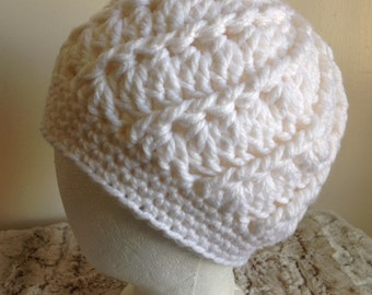 Crochet women cloche beanie / bulky yarn, spiral rib hat,  White,  Ready to Ship