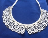 Vintage Crochet Collar White Cream Womens Accessories Lace Neck Piece Sweater Add-On Bibs
