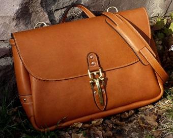 """Royale 17"""" Leather Mail Bag with Quik Latch, Messenger Bag, Shoulder Bag, Vintage Mail Bag - Special Limited Edition"""
