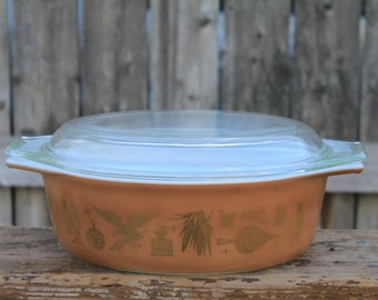 Vintage Pyrex Early American Rooster & Eagle Americana   043  1 1/2 Quart Casserole Dish