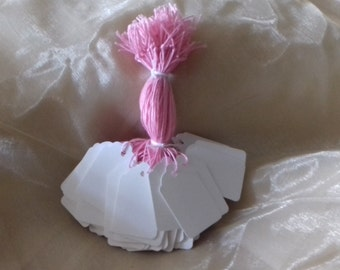 100 white blank labels strung price/gift tags 45mm x 28mm swing tickets with pink cotton