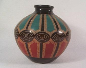 Nicaraguan Pottery Vase       S972