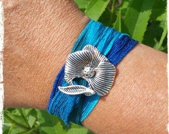 Bracelet silk tie and dye