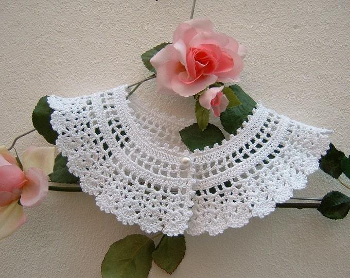 Featured listing image: Women's crochet collar-vintage Look white cotton collar-retro chic Victorian Collar-Crochet fashion romantic woman