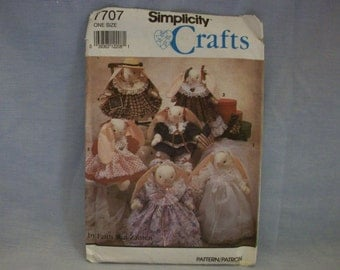 Simplicity Craft Pattern Bunny with Seasonal Wardrobe #7707