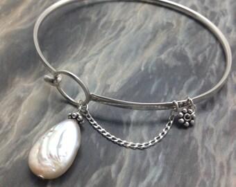 Freshwater pearl Bracelet | dainty bracelet | karma bracelet | best pearl bracelet | bride pearl jewelry | delicate bracelet