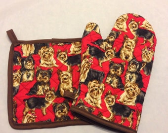 Red Yorkie dog print insulated/quilted pot holder/oven mitt set/individual