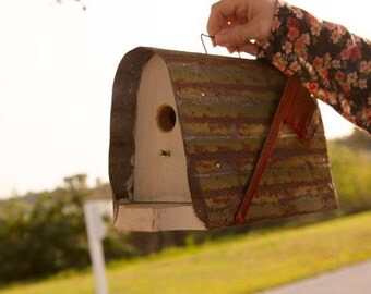 Amish Hancrafted Mailbox-Style Bird House