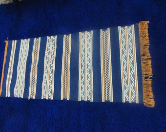 "55"" x 23"".5 (140 cm x 60 cm) Moroccan rug Handwoven Rug - Wool Carpet - Berber Blue Rug -  Moroccan Wool Rug"