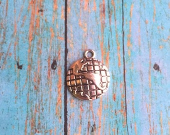 4 Large globe charms antique silver tone - globe pendant, Earth charm, travel charm, silver globe charm, traveler charm, world charms, TT15