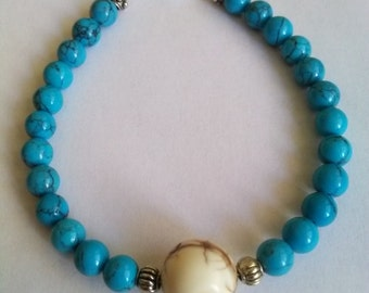 Bracelet with blue and white Howlite beads