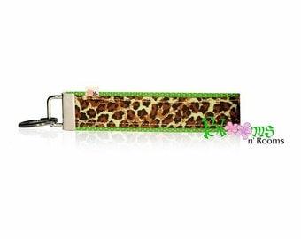 Wrist keychain green brown animal cheetah print