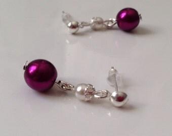 Dress of beads purple purple nacrees and white earrings