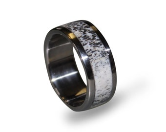 Titanium Wedding Band with Deer Antler Inay, Mens Antler Ring, Antler Wedding Band, Camo Ring