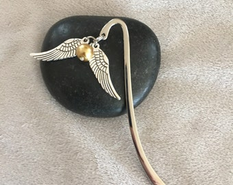 Golden Snitch Bookmark Silver Metal Bookmark Book Lover Snitch Quidditch Potterhead Bookworm Gift Wizard Bookworm Hogwarts Journal Fandom