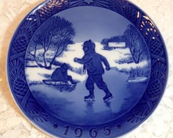 """Royal Copenhagen Cobalt Blue Annual Christmas Plate 1965, Made in Denmark, """"Little Skaters"""", Children Skating, Winter Decor."""