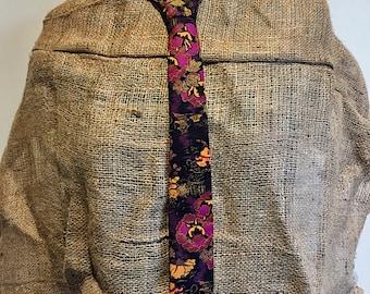 Oriental Necktie Kitty Vera