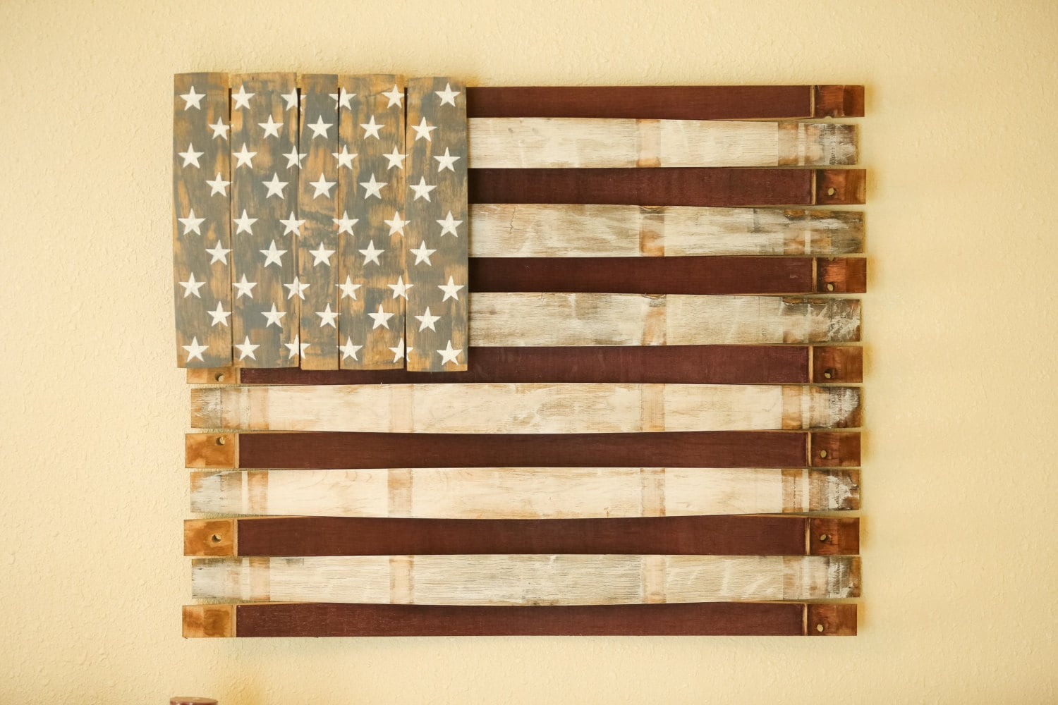 american flag wood wall hang wooden american flag sign. Black Bedroom Furniture Sets. Home Design Ideas