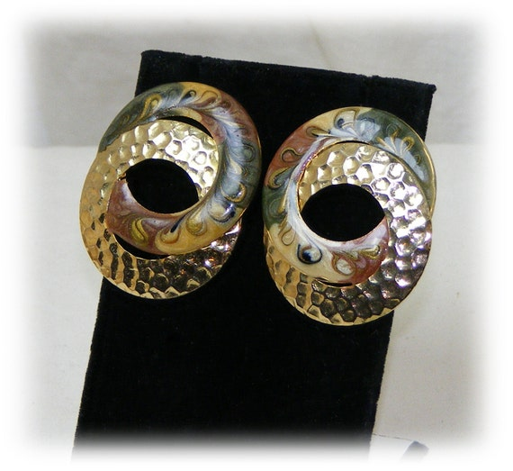 CLASSY STUD EARRINGS . . Really Beautiful . . Never Worn