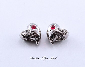 Little hearts silver plated with red stone to place on your bracelet charms !