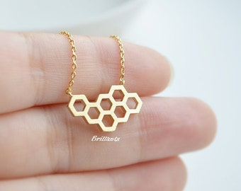 Honey comb pendant necklace in gold, Bee hive necklace, Bridesmaid jewelry, Everyday necklace, Wedding necklace