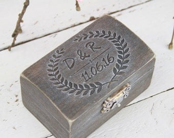 Ring Bearer Box, Wedding Ring Box, Rustic ring box, Personalised Wedding Ring Box, Pillow Bearer Box, Wedding gift, Engagement ring box,